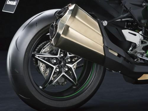 15ZX1000N_Rear_wheel