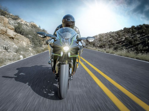 15ZX1000N_US_Action01