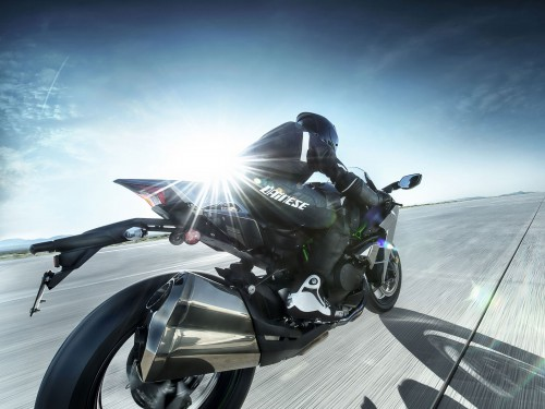 15ZX1000N_US_Action14