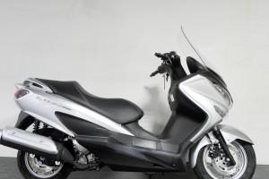 お手頃200ccスクーター